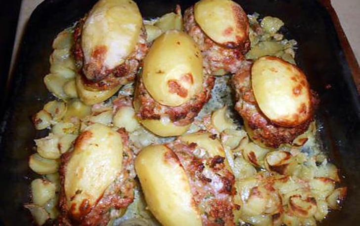 Pommes de terre farcies à la chair à saucisse