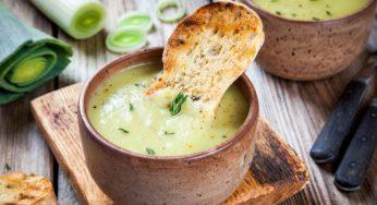 Réchauffez-vous avec la soupe de poireaux au chèvre frais !