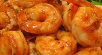 Crevettes sautés et légumes
