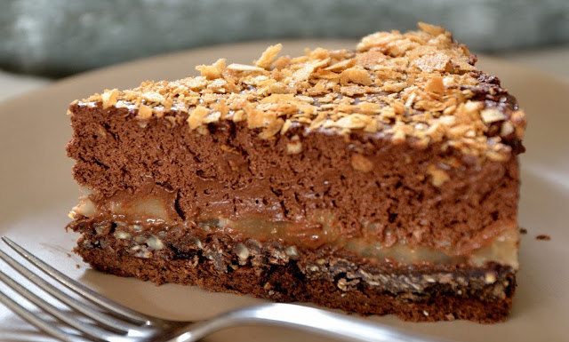 Gâteau crousti-fondant chocolat-poire.
