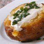 Pommes de terre au four sauce fraîcheur
