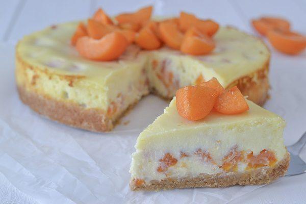 Gâteau au fromage à la ricotta et à l'abricot