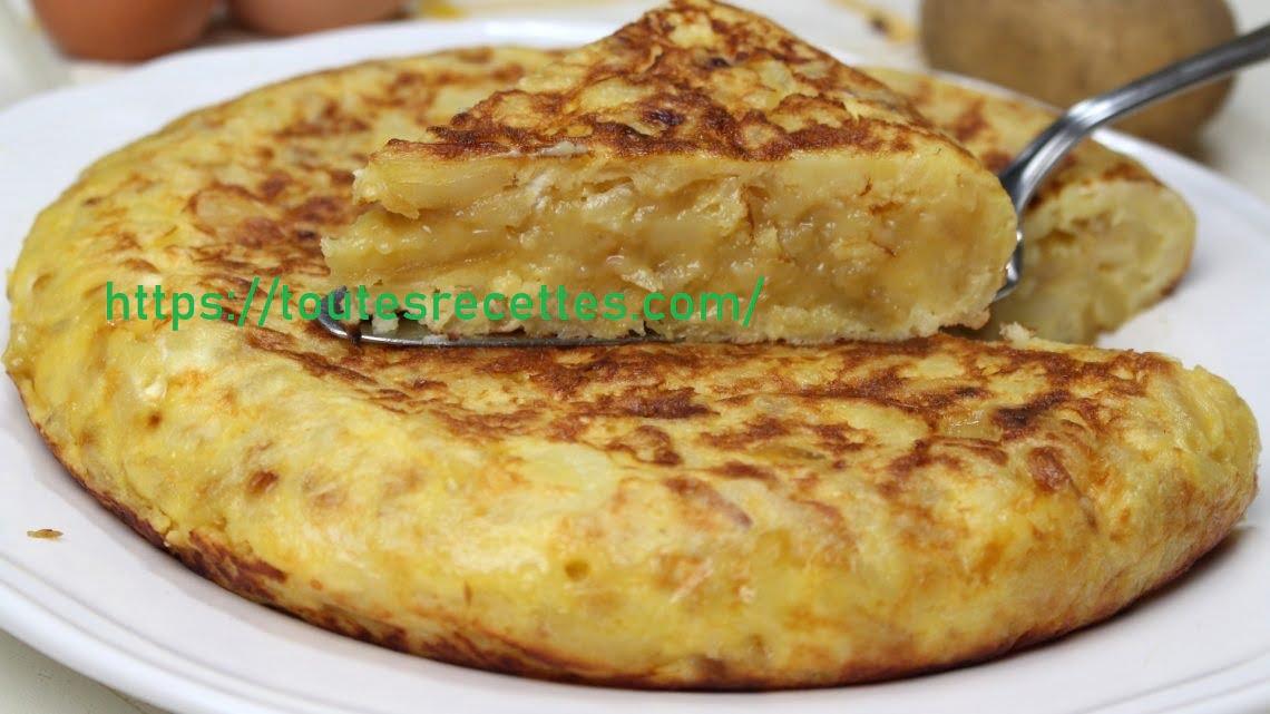 Omelette de pommes de terre à l'oignon caramélisé et au fromage de chèvre